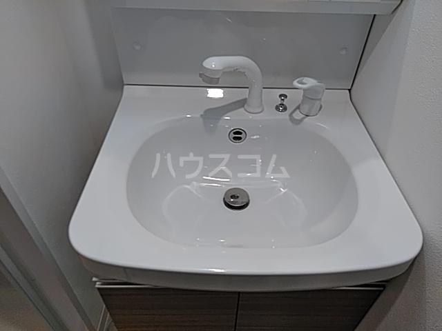 アスヴェル京都太秦 111号室の洗面所