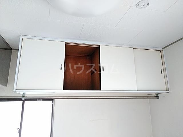 クレール用賀 106号室のリビング