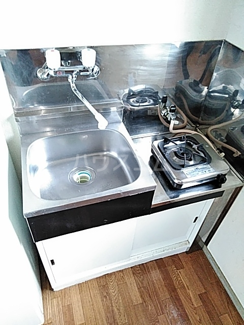 クレール用賀 106号室のキッチン