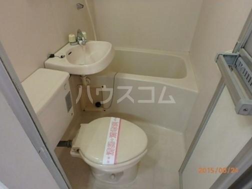 パレス富岡 305号室のベッドルーム