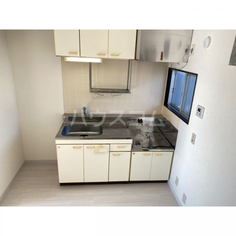 サンハイツかどやB棟 202号室のキッチン