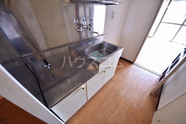 エスコーポ 202号室のキッチン