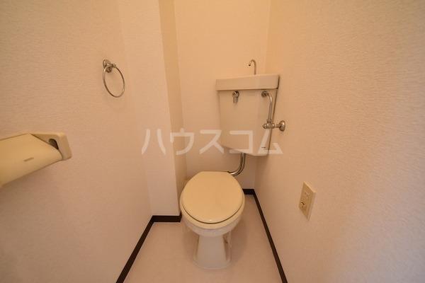 エスコーポ 202号室のトイレ
