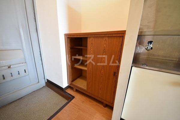 エスコーポ 202号室の玄関