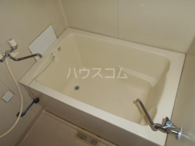 グリーンハイツB 103号室の洗面所