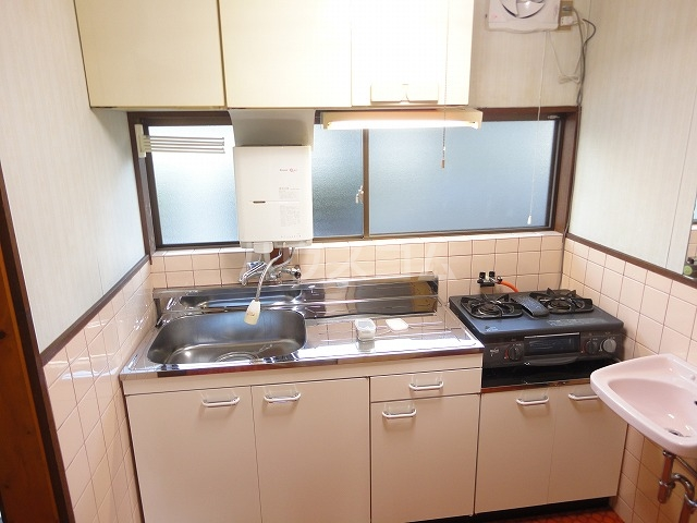 プチハイムキムラ 1-B号室のキッチン