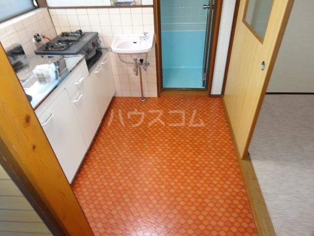 プチハイムキムラ 1-B号室の玄関