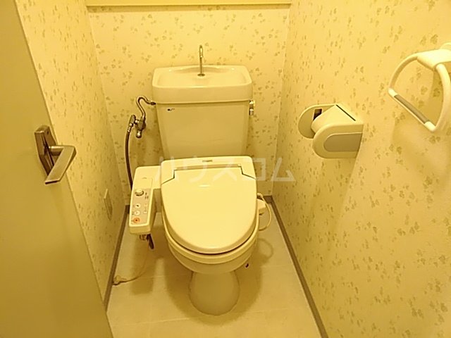 千里ロイヤルハイツ 105号室のトイレ