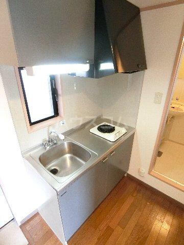 ルミエール原田 203号室のキッチン