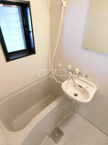 ルミエール原田 203号室の風呂