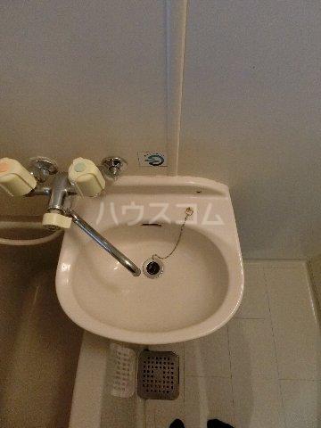 ルミエール原田 203号室の洗面所