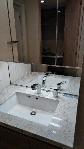 ドゥーエ早稲田 514号室の洗面所