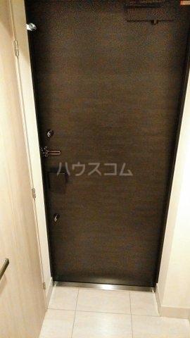 ドゥーエ早稲田 514号室の玄関