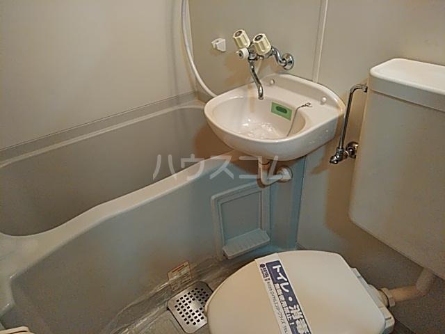 ヴェネディクト代田 203号室の風呂