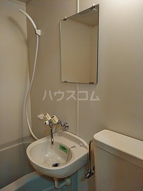 ヴェネディクト代田 203号室の洗面所