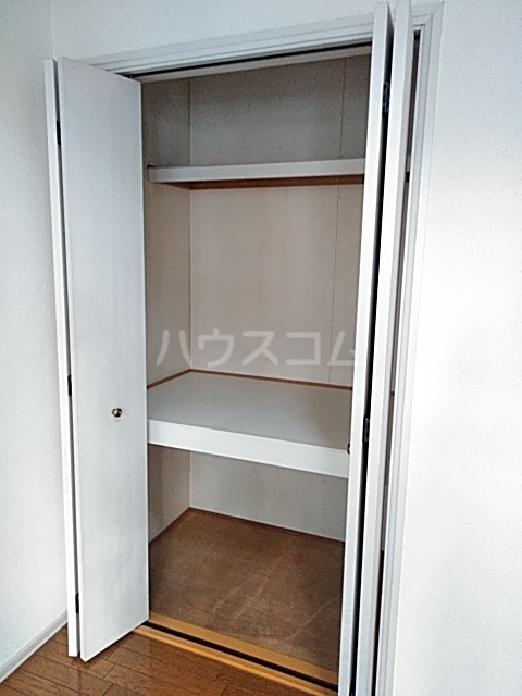 ヴェネディクト代田 203号室の収納