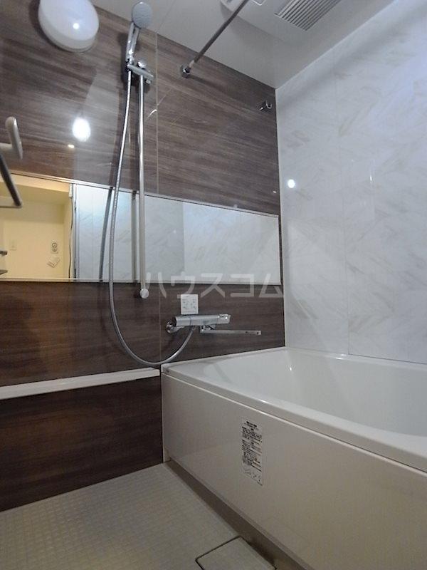 リヴィエール猿江公園 503号室の風呂