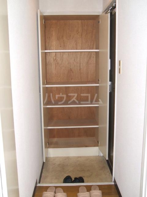 アネーロ岸和田 401号室の玄関