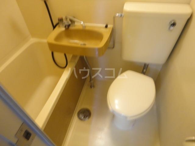 アネーロ岸和田 401号室の洗面所