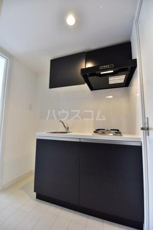 モダンアパートメント日吉ヴィラ 201号室のキッチン