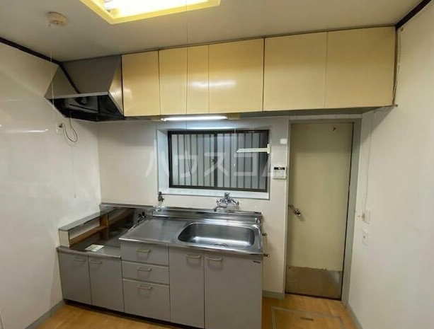 南雪谷1丁目住宅のキッチン
