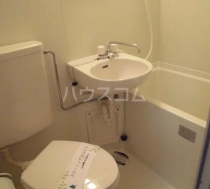 ファインコート等々力 302号室のトイレ
