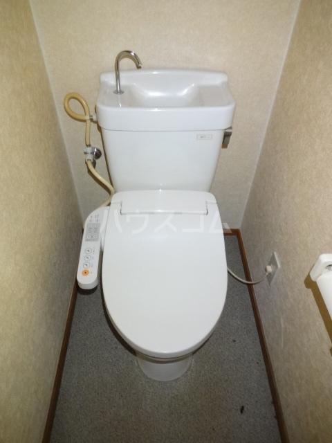 タウンハウス習志野台 102号室のトイレ