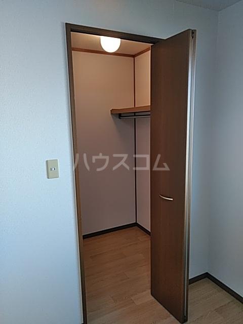 グランフォーレ 202号室の収納