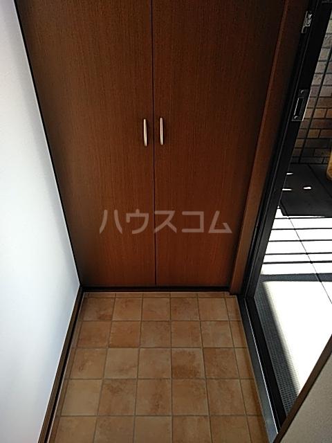 グランフォーレ 202号室の玄関