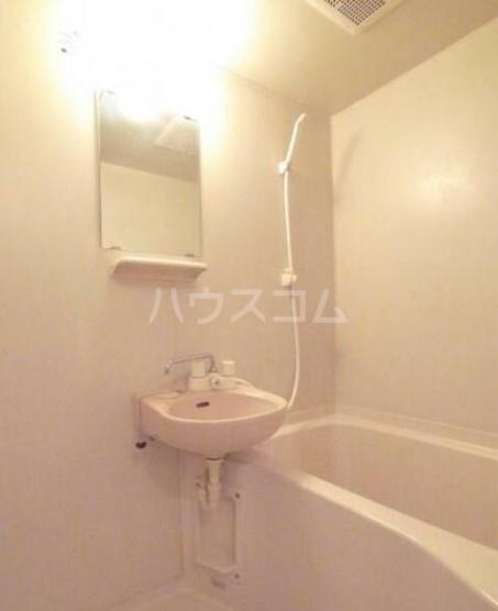 アベニュー中野 103号室の風呂