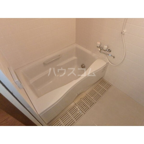 エクセレントコート 303号室の風呂