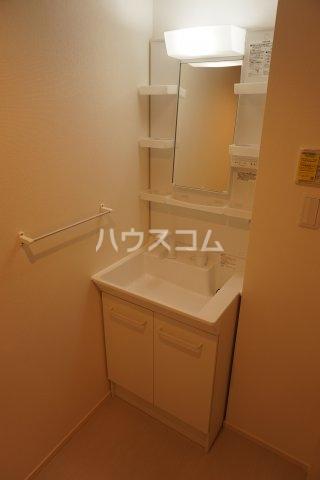 リブリ・グランコンフォート 107号室の洗面所