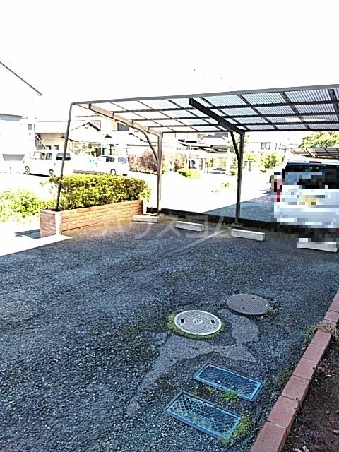 竹ノ下コーポB 1号室の駐車場