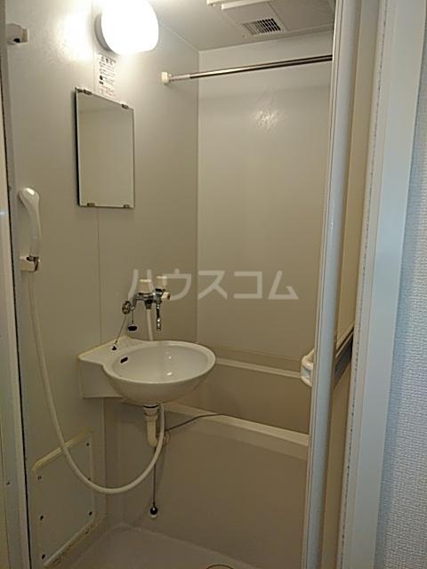 レオパレスTN壱番館 110号室の風呂