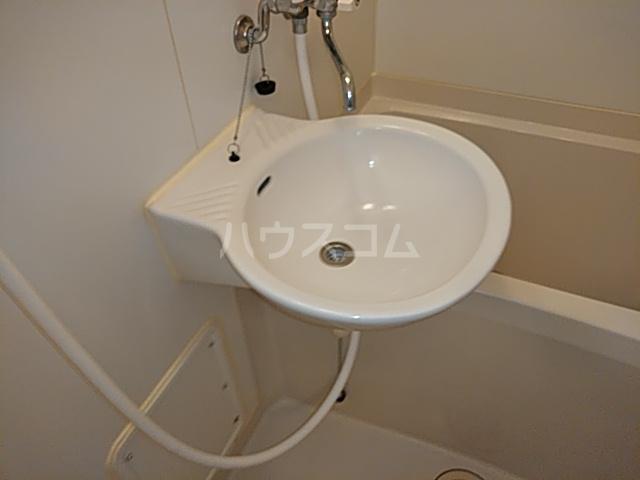 レオパレスTN壱番館 110号室の洗面所