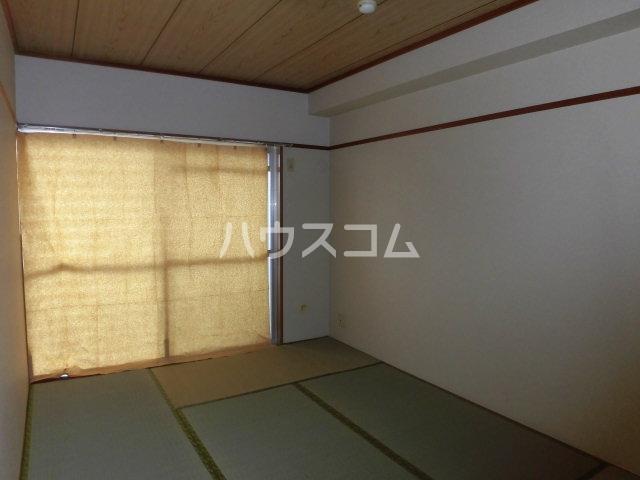 アピシス狭山 303号室の居室