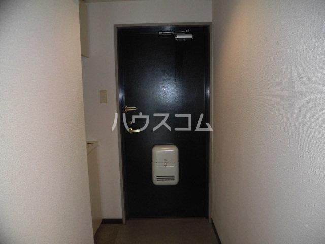 アピシス狭山 303号室の玄関