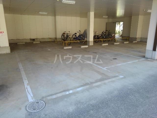 エスポワールN・I 03030号室の駐車場