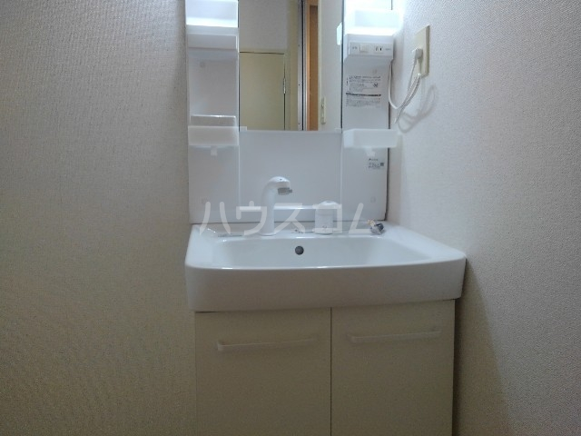 エスポワールN・I 03030号室の洗面所