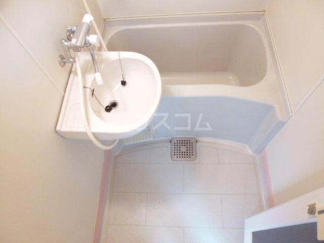サンリーベプラザ 201号室の風呂