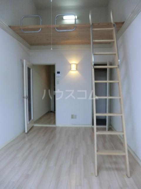 Kozy3番館 210号室のベッドルーム