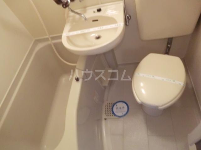 Kozy3番館 210号室の風呂