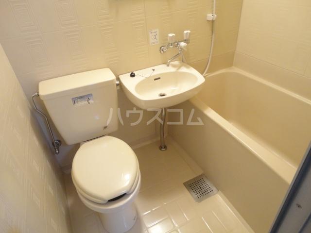 グリーンパレス桂 203号室のトイレ