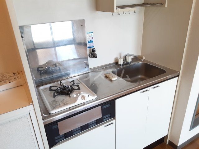 カプチーノ川島 302号室のキッチン