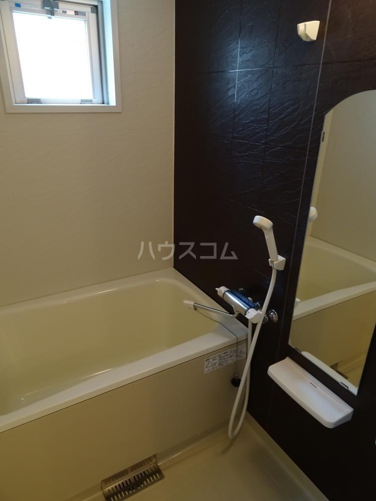 サリエンテⅢ 101号室の風呂