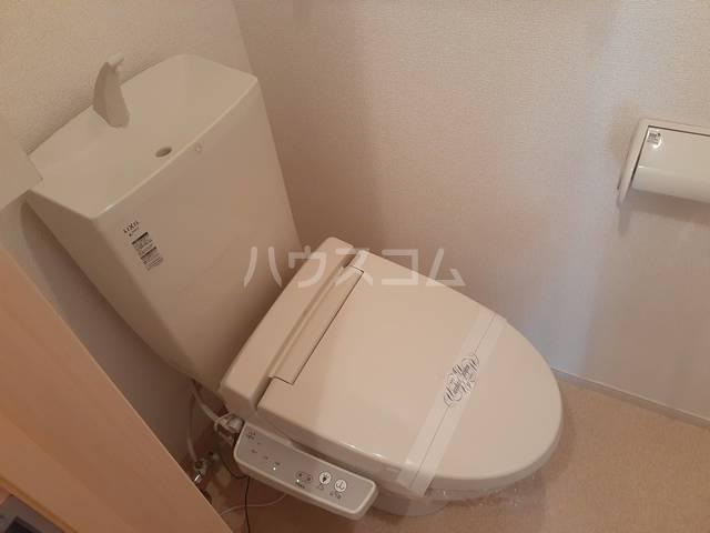 エクレ-ル・牧野 01030号室のトイレ