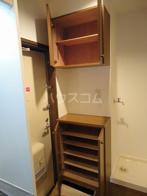 シャローム桂 203号室の収納