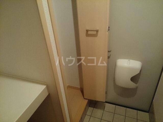 ボローニャⅥ 01010号室の玄関