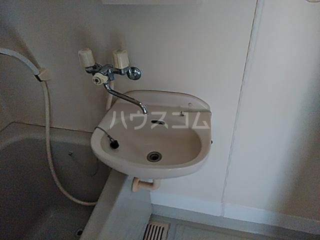 コンフォートさつき 103号室の洗面所