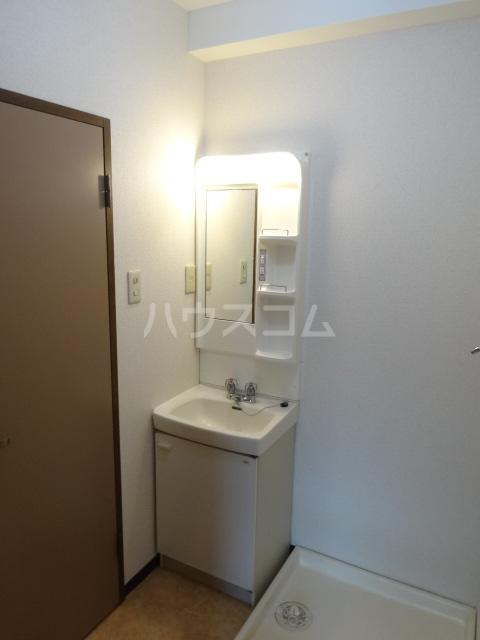 グレースK 101号室の洗面所